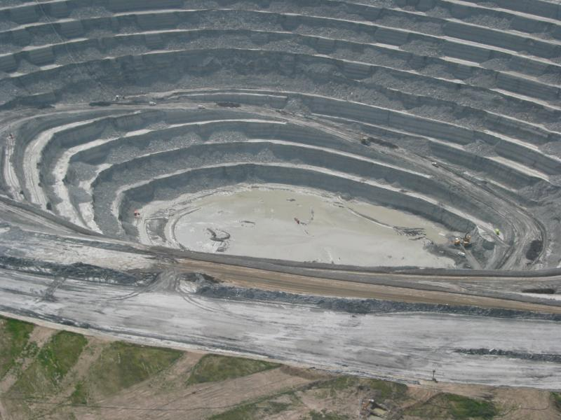 Photo: Cobre Las Cruces copper mine, owned by Canada-based First Quantum Minerals, in 2008 after its walls collapsed. The mine was under the direction of now-GTac president Bill Williams, who ignored government reports that the walls were unstable. (Credit: Ecologistas en Acción)