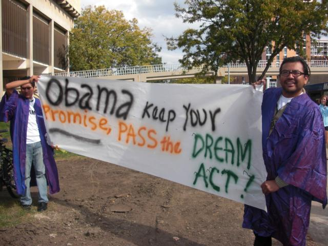 Students in Madison want President Obama to support the Dream Act